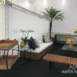 Tendas para eventos com decoração de arranjos